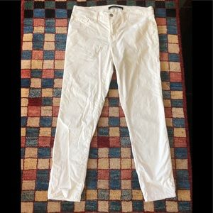 J. Brand Capri. Perfect condition. Crisp white.